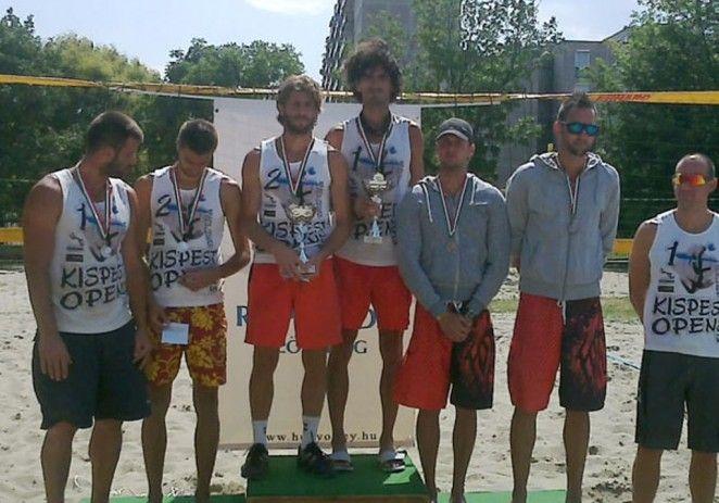 Finală arădeană la campionatul maghiar de volei pe plajă