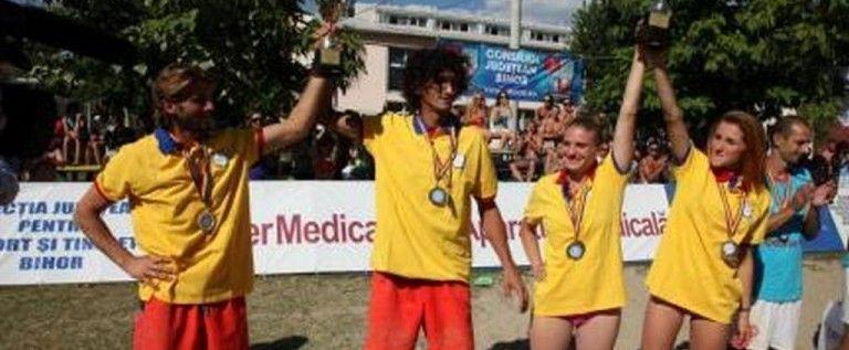 Începe lupta pentru medalii în voleiul pe plajă
