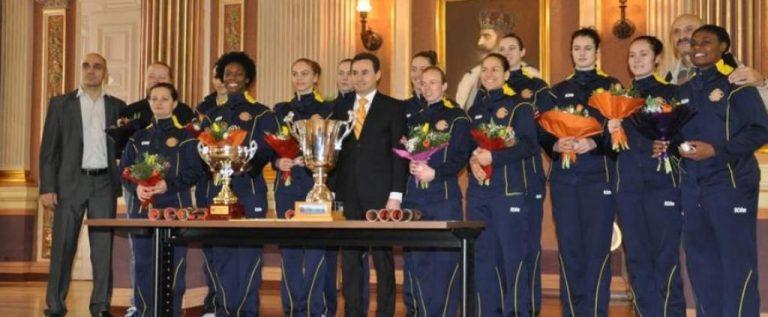 """""""Sportul de performanţă"""", o linie bugetară de râsu'-plânsu': campioana Univ.Goldiş ICIM, aproape egală cu o echipă de fotbal nou înfiinţată, de Liga a IV-a!"""