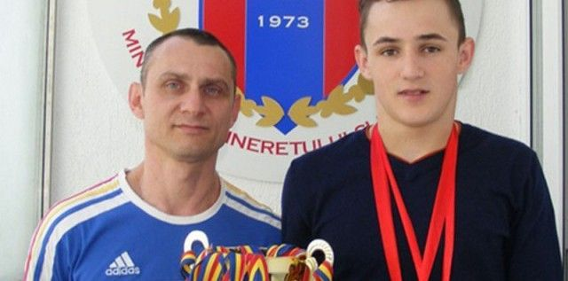 Performanţă în haltere: Florin Vizitiu este dublu campion european de cadeţi!