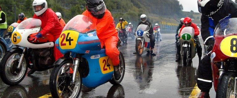 Regal de motociclism pe Aeroportul Arad