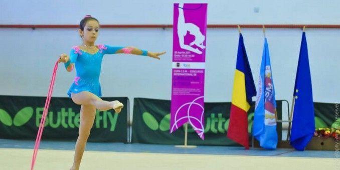 Gimnastele arădene vor medalii pe covorul ritmicii