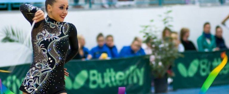 UPDATE: Nouă medalii arădene la Naţionalele de gimnastică ritmică: Ştefania Chiriac, de patru ori pe podium la senioare!