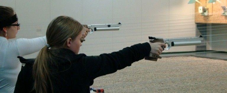 Pistolarii s-au întrecut la concursul regional Cupa CSM Arad