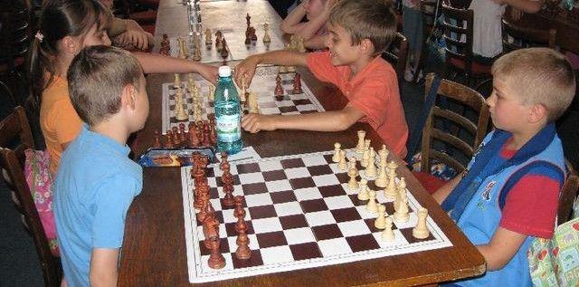Invitaţie pentru Cupa Vados la şah