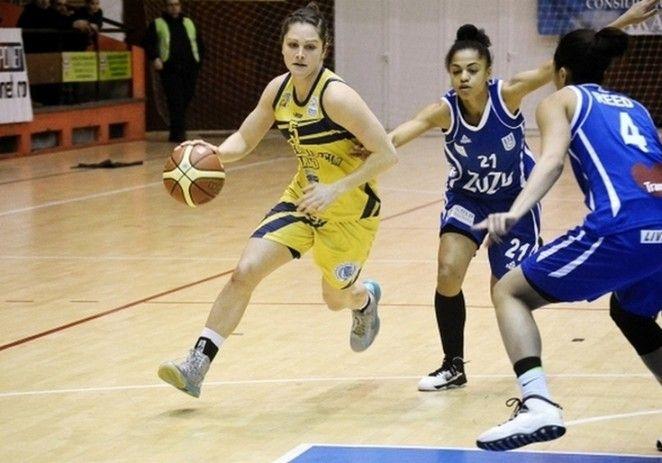 Univ.Goldiş a câştigat derby-ul cu Alba Iulia şi are prima şansă la titlu