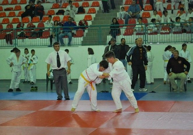 Judoka arădeni au obţinut bronzul la Campionatul Naţional de seniori