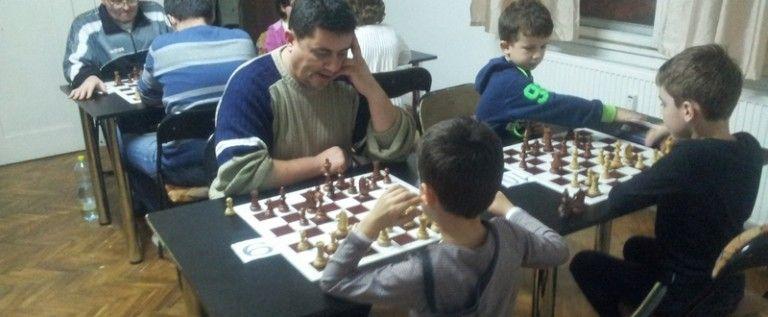 Pregătiri pentru festivalul de şah al Aradului