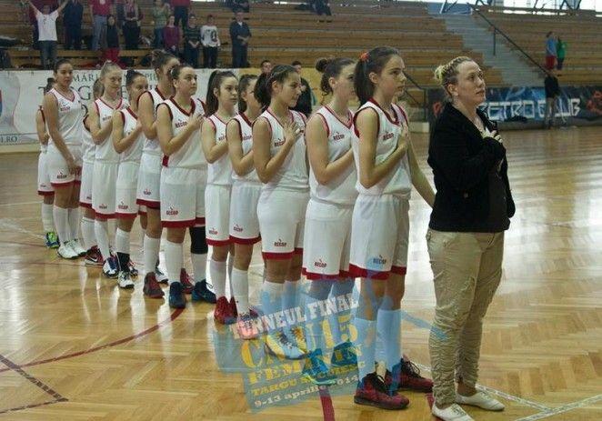 Micile baschetbaliste ale Aradului sunt campioane naţionale la categoria sub 15 ani