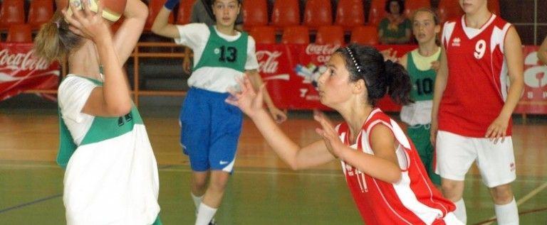 Elevele din Arad joacă baschet la Cupa Sportsin