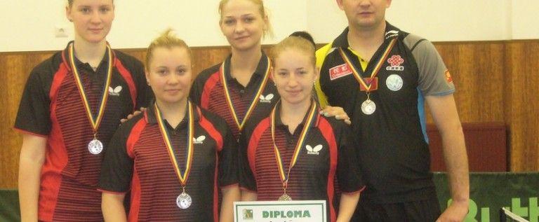 Fetele de la CSM Arad sunt vicecampioane naţionale la tenis de masă!