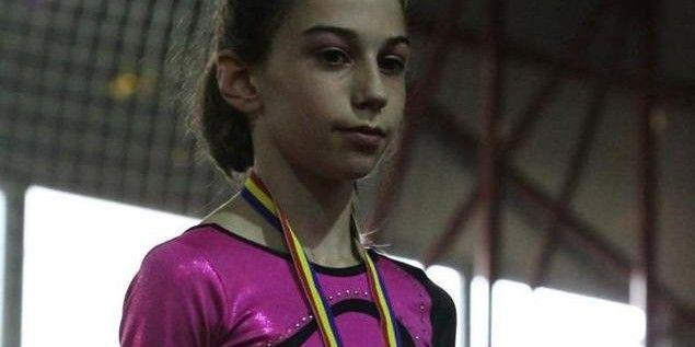 Gimnastele au urcat pe podiumul naţional al junioarelor