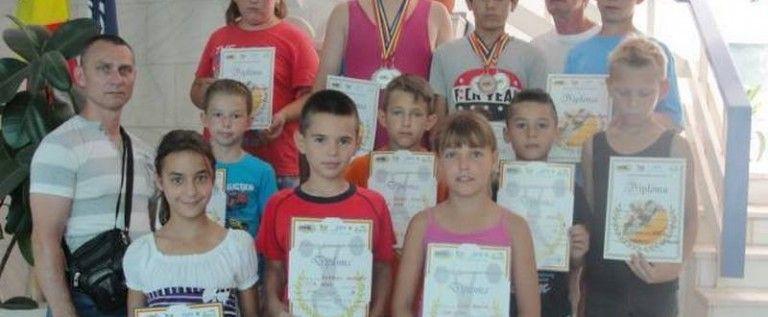 Micii halterofili de la CSM Arad au urcat pe podium la Naţionale