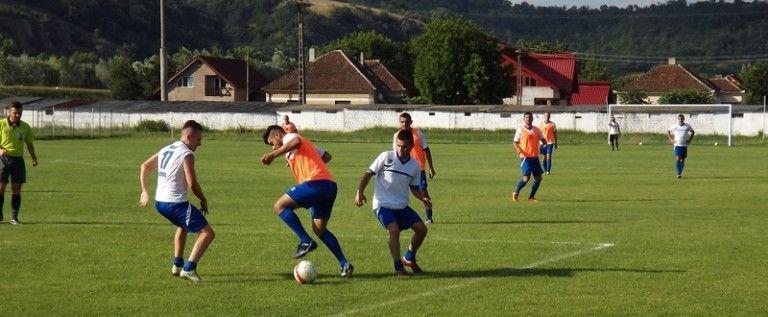 Şoimii Lipova vrea victorie la (re)debutul în Liga a 4-a