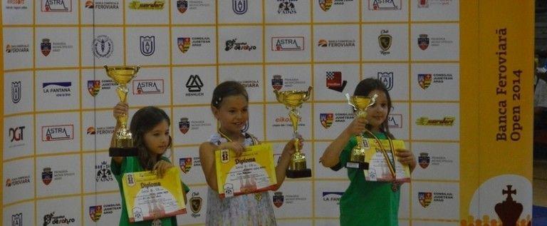 Micii şahişti s-au remarcat la festivalul internaţional al Aradului