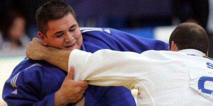 Judoka arădeni au urcat de şase ori pe podiumul naţional