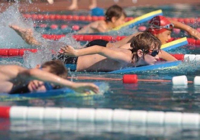 Înotătorii arădeni au urcat pe podium în Ungaria