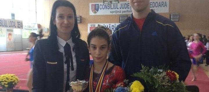 Gimnasta Iulia Berar, de patru ori pe podiumul naţional
