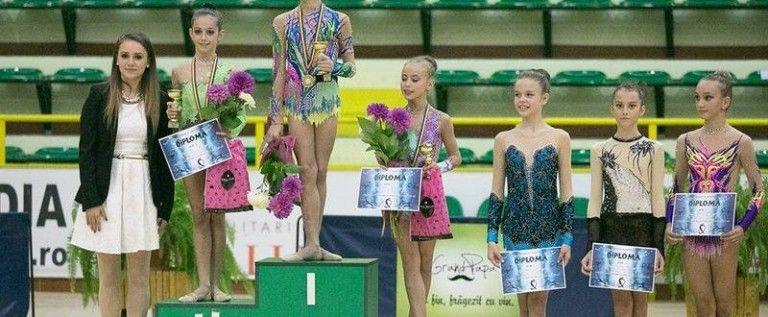 Gimnastele CSM-ului s-au remarcat pe covorul ritmicii