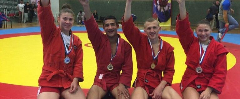 Doi sportivi din Nădlac, medaliaţi cu aur la sambo