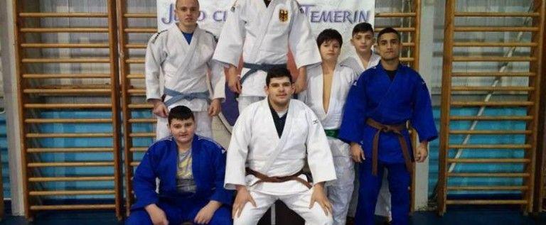 Judoka arădeni au cucerit noi medalii pe tatami