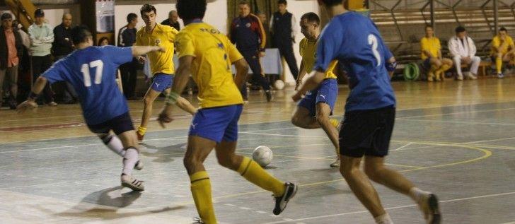 Turnee de fotbal în sală, în judeţ, în luna ianuarie