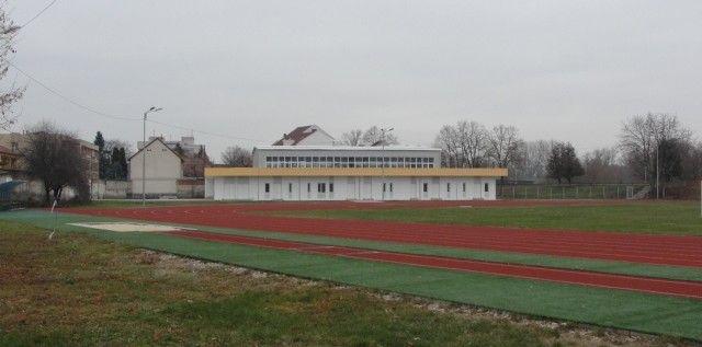 """Stadionul Gloria se pregăteşte de """"botezul"""" oficial"""