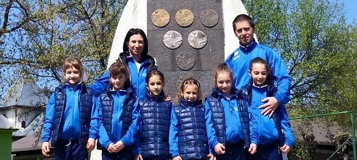 Gimnastele CSM-ului au urcat pe podium la Oneşti