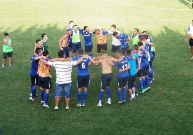 Şoimii Lipova câştigă în derby şi e noul lider al Ligii a IV-a
