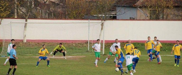 Etapă liniștită pentru favorite în Liga 4 Arad. Program și clasament
