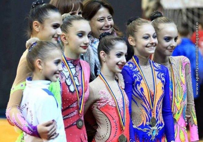 Gimnastica ritmica aradeana impresioneaza in Serbia si Slovacia