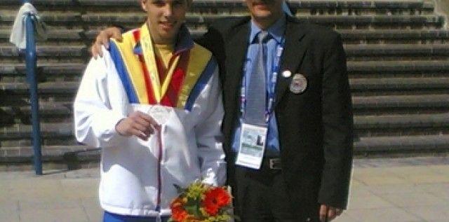 Gimnastul Adelin Kotrong a revenit la Clubul Sportiv Municipal Arad