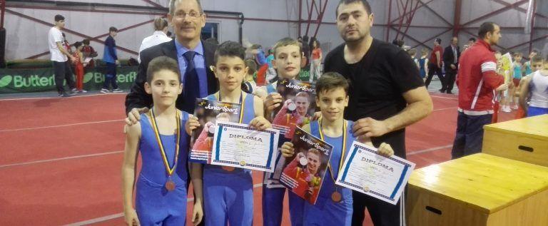 Gimnaştii arădeni au cucerit medalii la Naţionalele şcolare