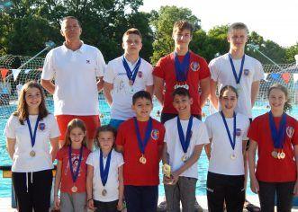Micii înotători arădeni au cucerit medalii în Ungaria