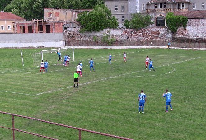 Crişul îşi adjudecă derby-ul judeţului, 1-0 cu Şoimii Lipova
