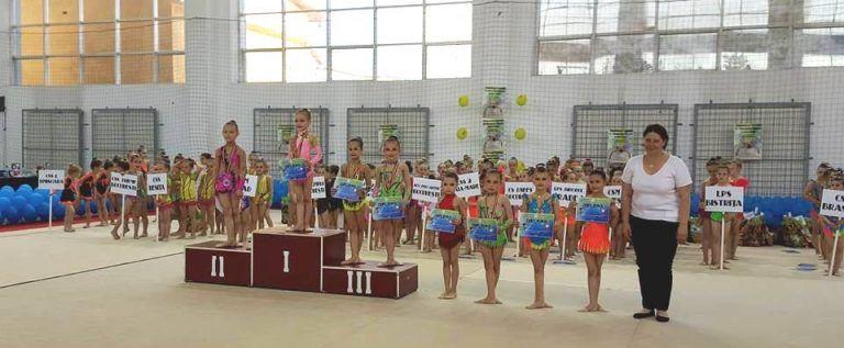 Micile gimnaste de la ritmică – medaliate la Naţionale