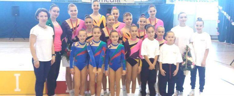 Gimnaștii de la Urania și Universitatea, pe podium în Cehia