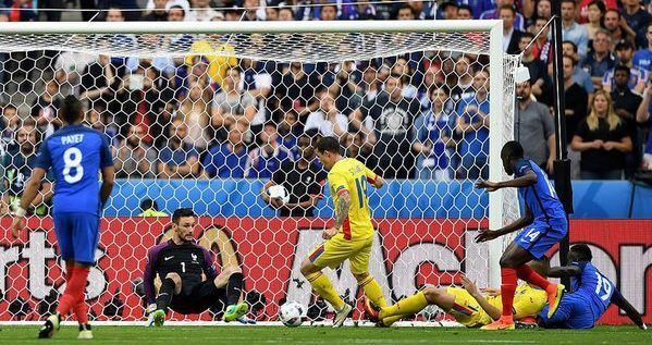 România pierde nedrept meciul de debut la Euro, 1-2 cu Franţa