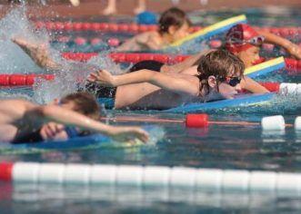 Înotătorii CSM-ului au fost medaliaţi la Cupa Aradului