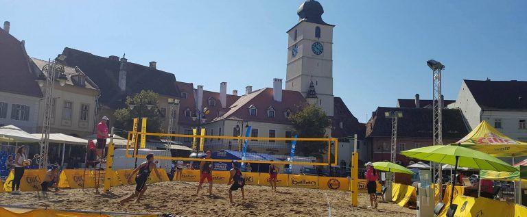 Fan Arad joacă pentru titlul naţional la volei pe plajă