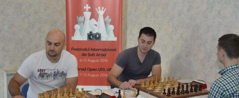 Marele maestru Istrăţescu e liderul festivalului arădean de şah