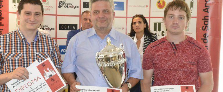 Andrei Istrăţescu e campionul festivalului arădean de şah
