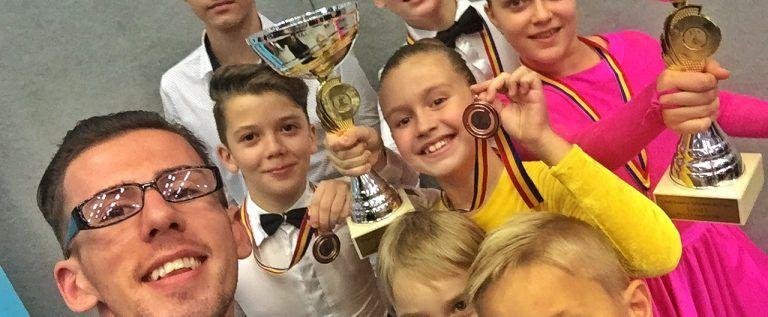 Dum Dance Team Arad dă campioni naţionali la dans sportiv