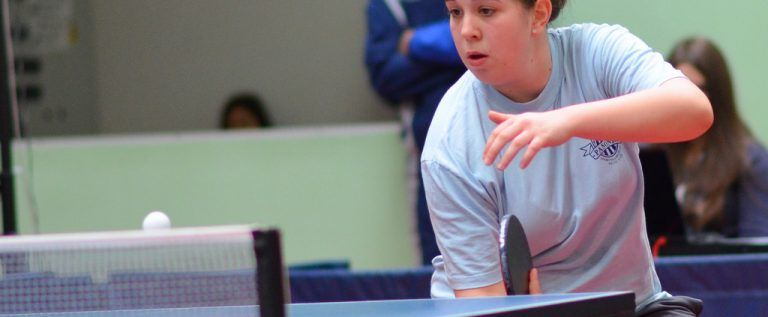 Echipele arădene de tenis de masă au turnee, în week-end