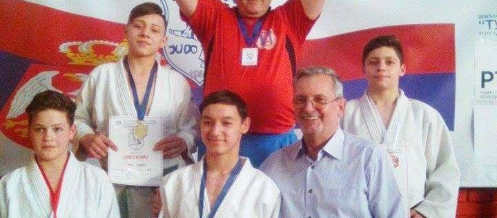 Judoka arădeni au urcat pe podium în Serbia