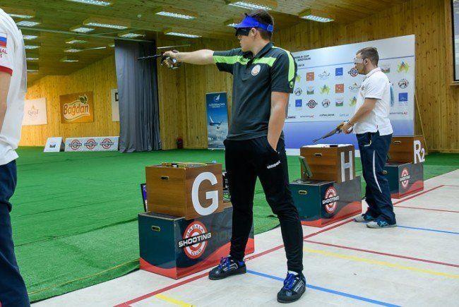 Pistolarii arădeni ţintesc medalii la Cupa României