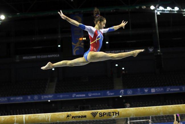 Arădeanca Olivia Cîmpian, finalistă la Europenele de gimnastică