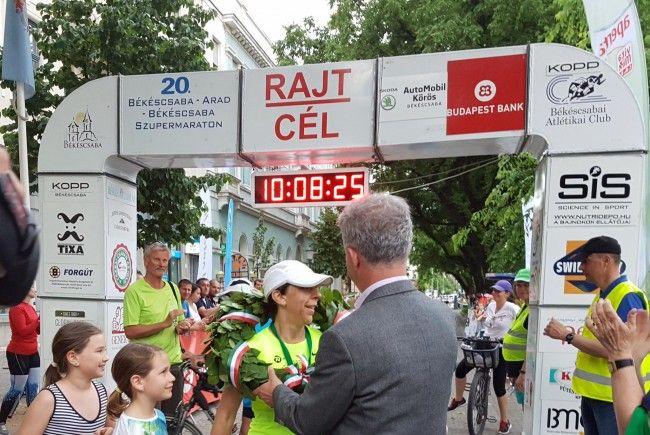 O atletă din Ungaria a terminat prima la Supermaraton