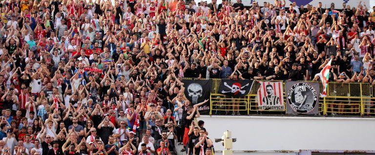 """Fanii, către jucători: """"Gladiatori ai UTA-ei!"""" Sâmbătă apar biletele"""