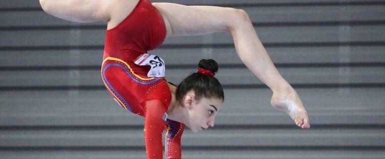 Gimnasta arădeană Iulia Berar s-a remarcat la Naţionale